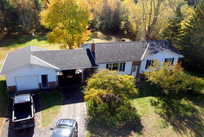 10050 County Road 503, Gooderham thumbnail