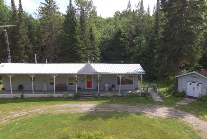1484 Minnicock Lake Road, Haliburton thumbnail