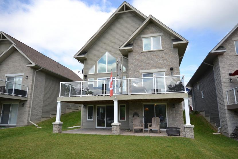 9 Webb Circle, Silver Beach on Lake Kashagawigamog, Haliburton thumbnail